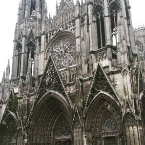 dentelle-de-pierre-cathedral